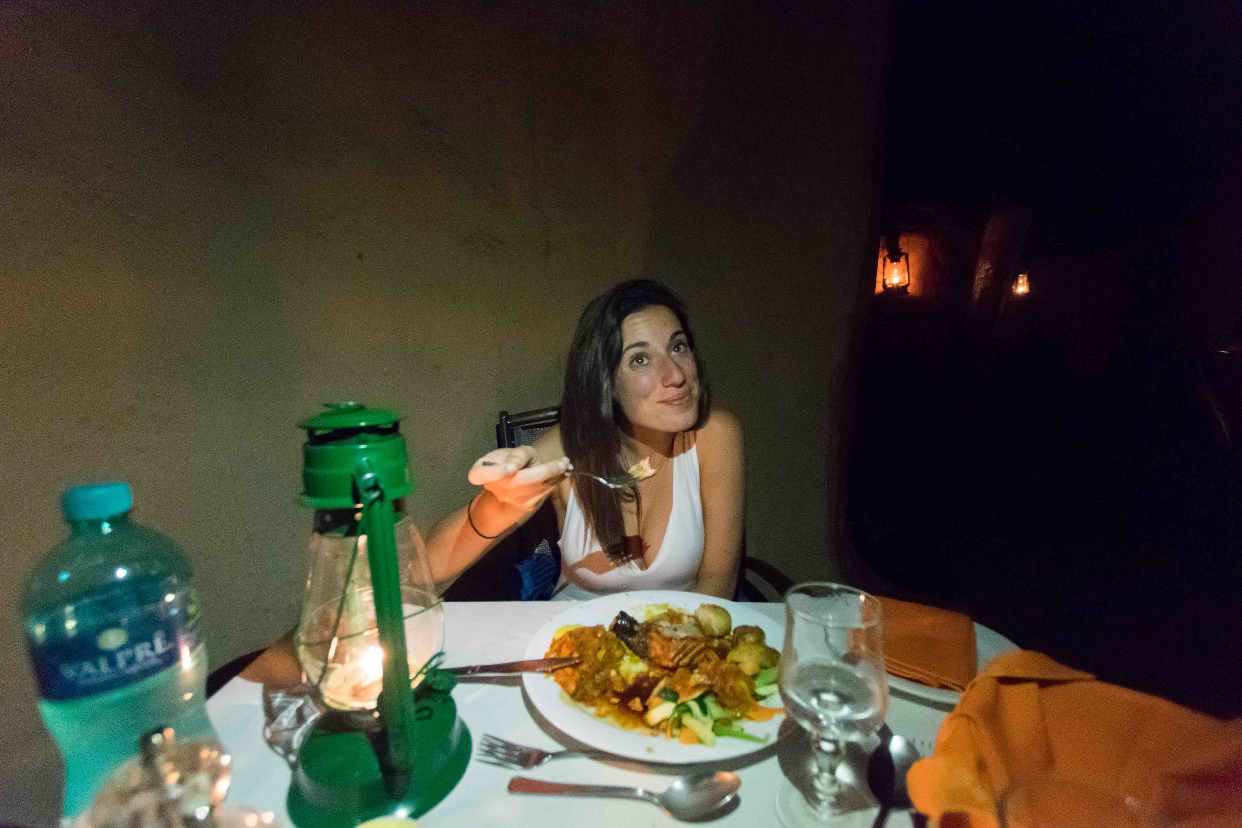Are drinks included at luxury safari lodges in South Africa