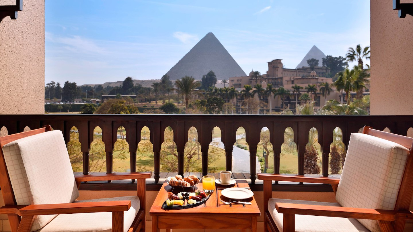 Balcony of pyramid view room