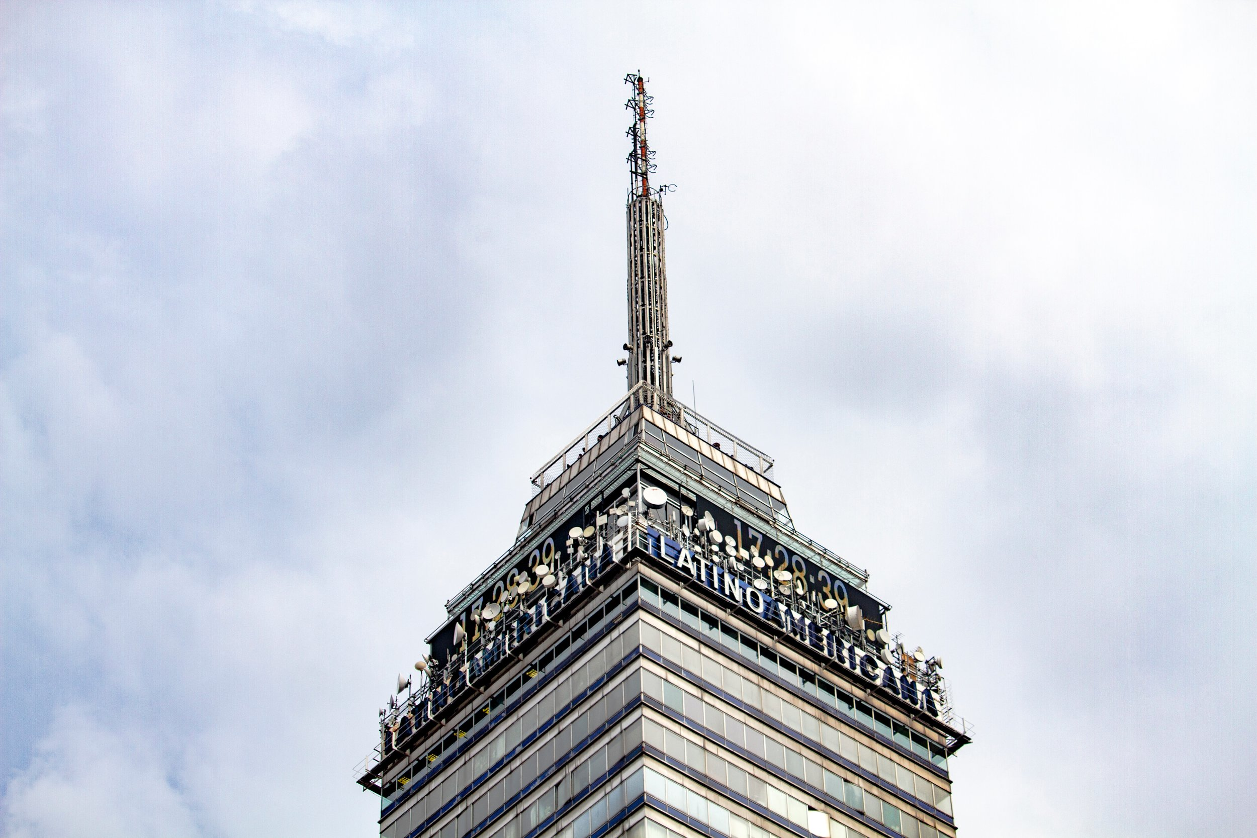 Visit the torre Latinoamericana for great views!