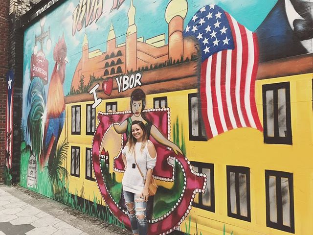Viva Ybor ✌️🇺🇸 #ybor #tampa #florida #floridalife #mural #streetart • • • • • • #passportonpoint #traveladdict #travelergirl #wanderess #travelpic #travelawesome #seetheworld #wanderlust #wander #lovetotravel #adventure #travelphotography #travelinspiration #travel #traveling #vacation #instatravel #instago #holiday #instapassport #instatraveling #travelgram
