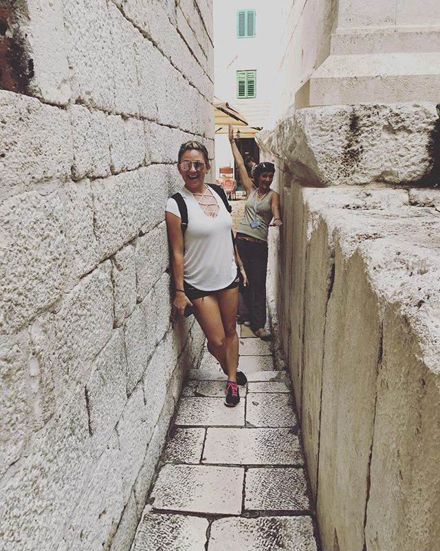 Tiny streets in Split with our favorite local guide 🇭🇷 Ahh how much I loved this trip! 💕💕 #takemeback #ilovecroatia #split #croatia #vacay #thirty #passportonpoint #towonderistowander •• •• •• #traveladdict #travelergirl #travelpic #travelawesome #inspiration #wanderlust #wander #lovetotravel #adventure #travelphotography #travelinspiration #travel #traveling #vacation #instatravel #instago #holiday #instatraveling #travelgram #seetheworld