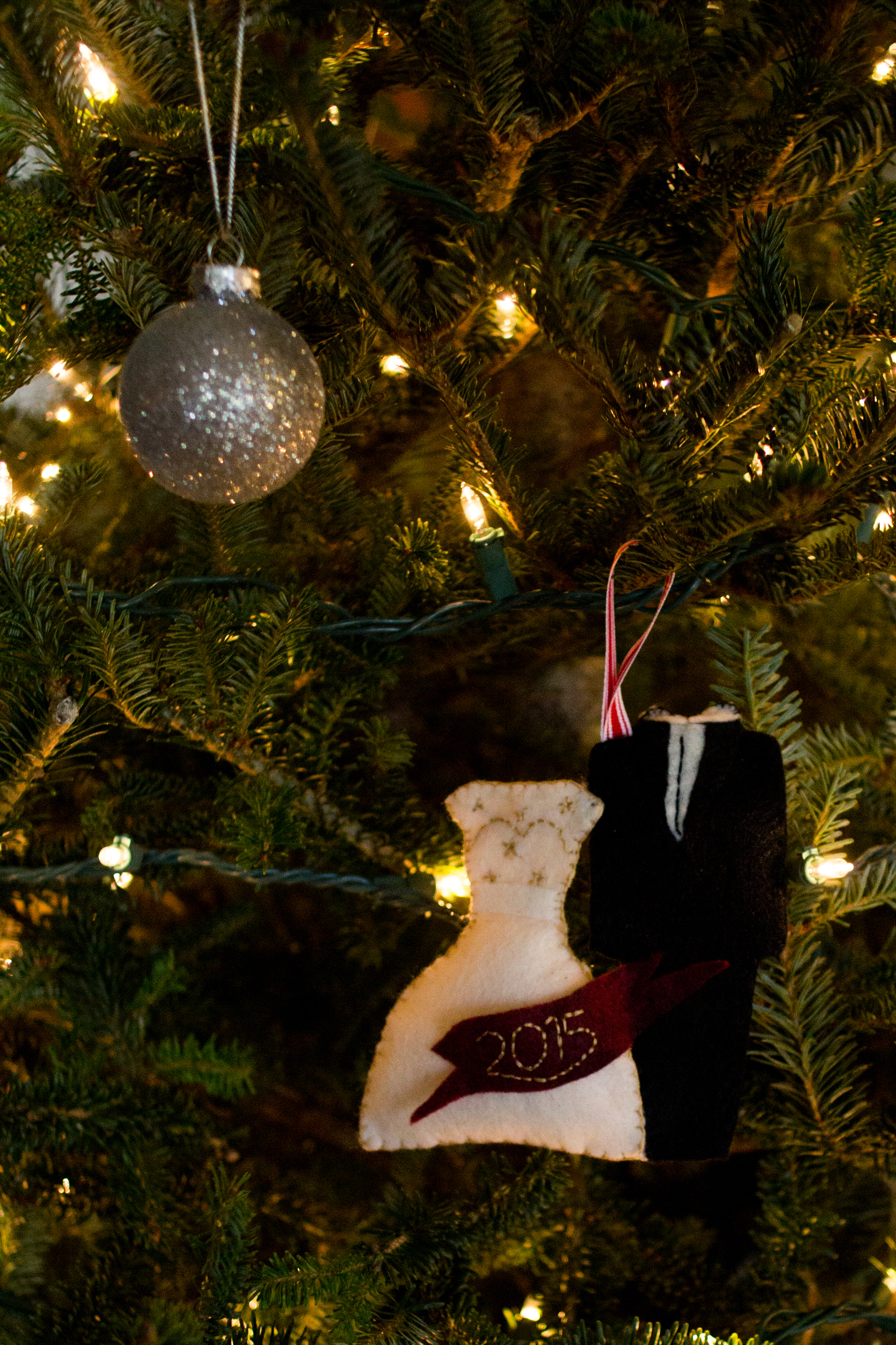 Christmas Felt Ornaments via allthedelights.com