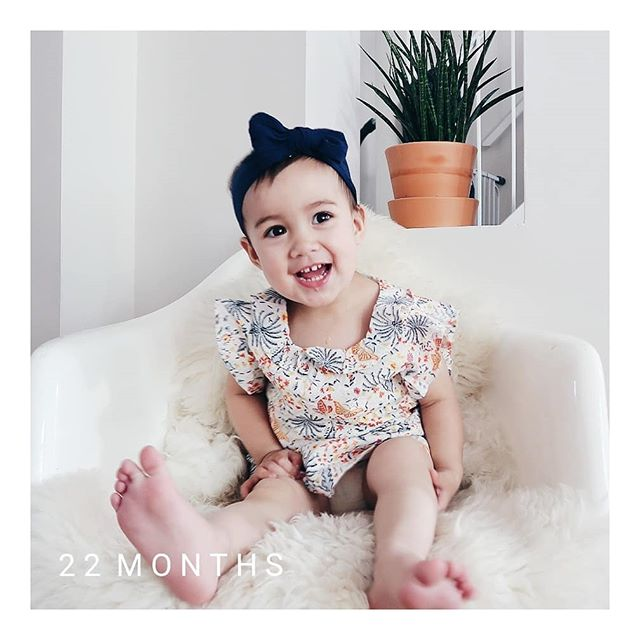 Time slow down please. This year has definitely gone by faster than her first. I imagine it just keeps speeding up as each year passes. #22monthsold #lolajune #happysad