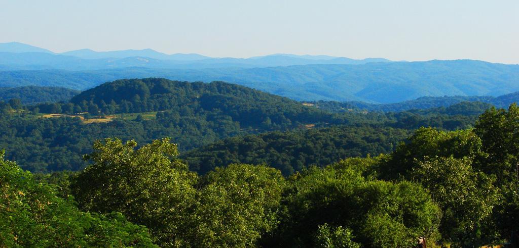 2 км от природен парк Странджа