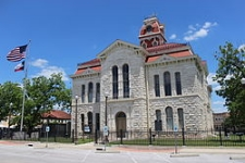 The stately Lampasas County Courthouse. Photo Credit : WikiPedia.