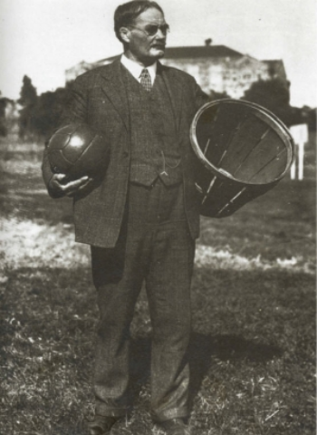 Dr. Naismith would be amazed at what he created. Photo by By Unknown - via  WikiMedia Commons