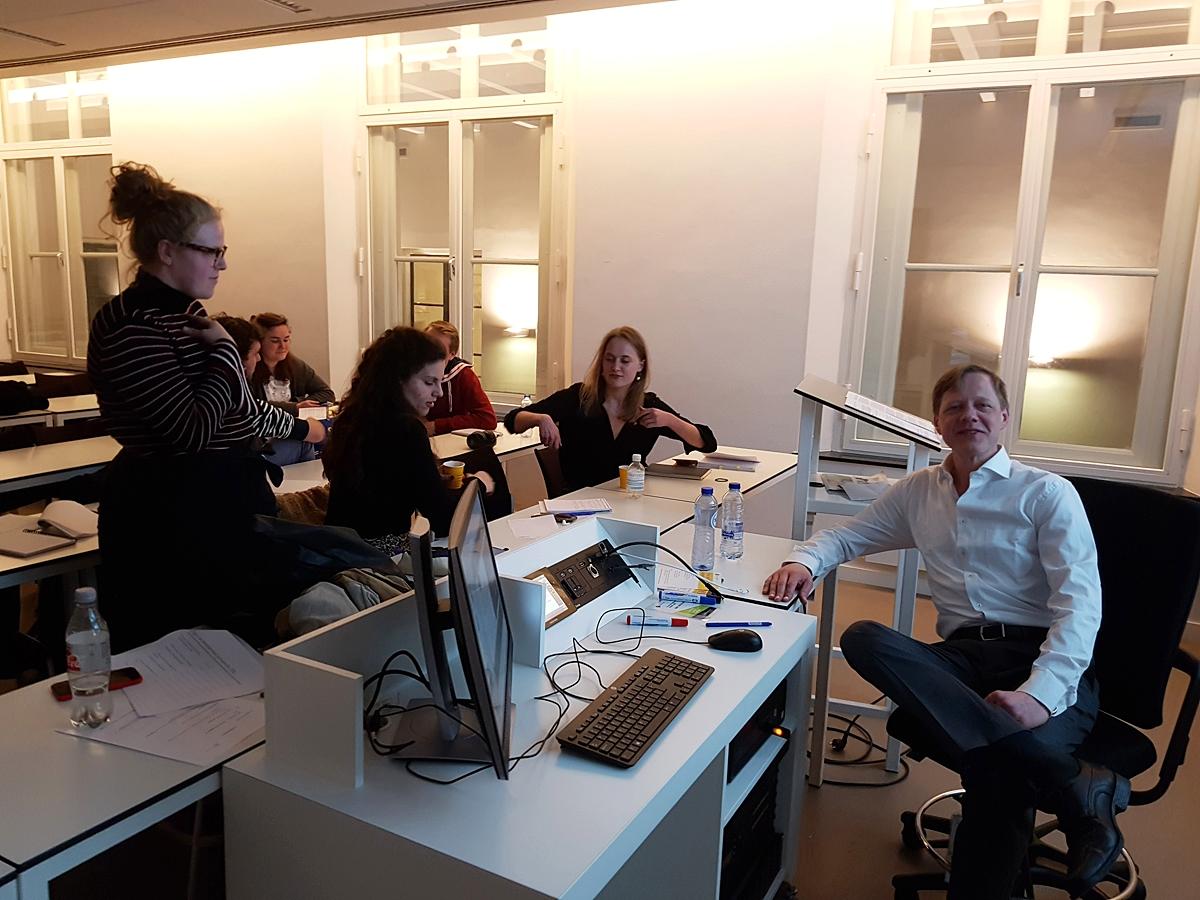 Lezing Muziekrechten en Muziekcontracten bij Trivium @ Utrecht Law College door mr. Mauritz Kop