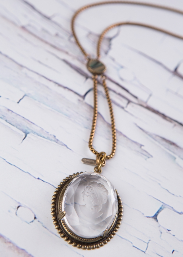 crystal cameo necklace_n-1983.jpg