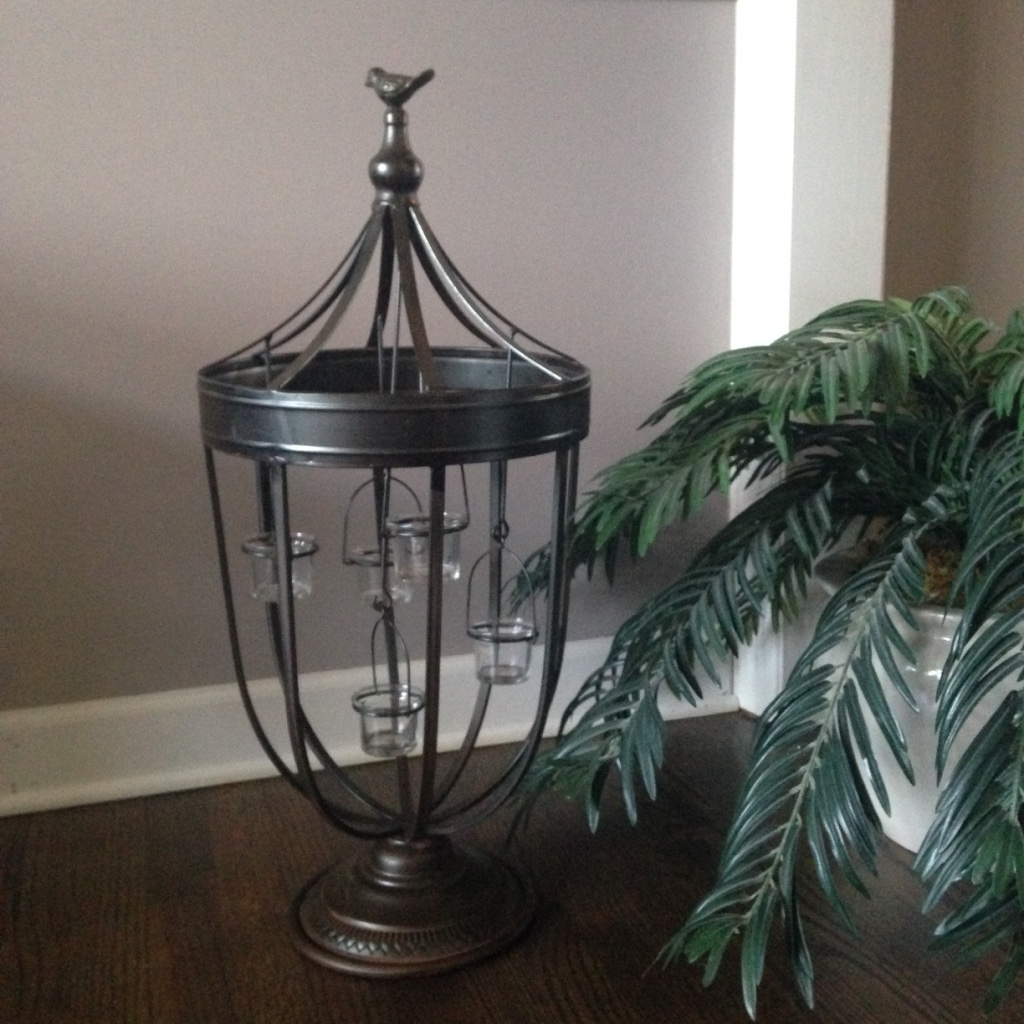 BRONZE METAL DECORATIVE CENTERPIECE WITH CANDLELIGHTS $70