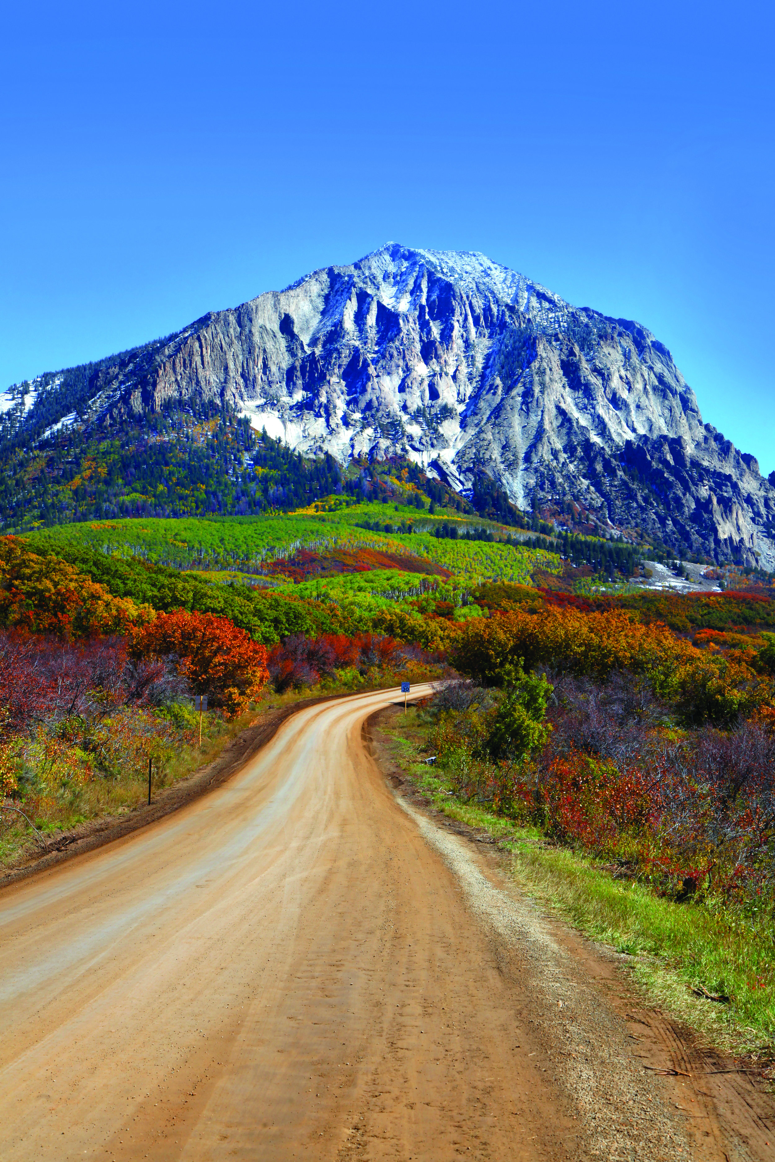 Colorado Highway 12 provides a scenic tour for viewing fall colors.  Photo: ©SNEHIT / AdobeStock.com