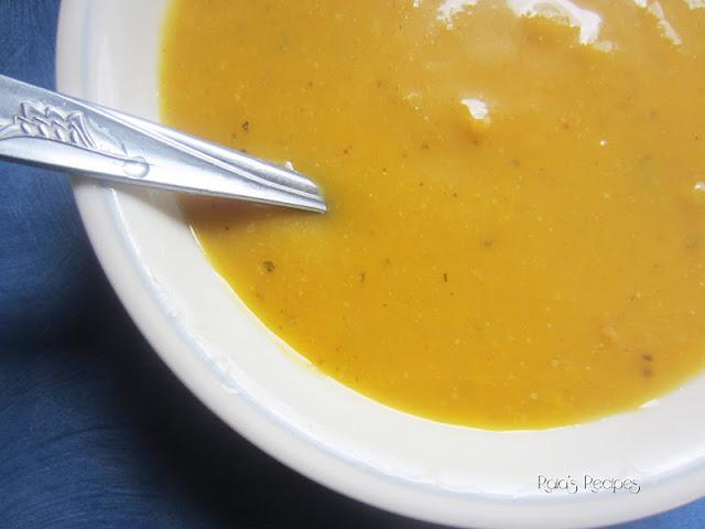 Creamy Squash & Apple Soup via  Raia's Recipes