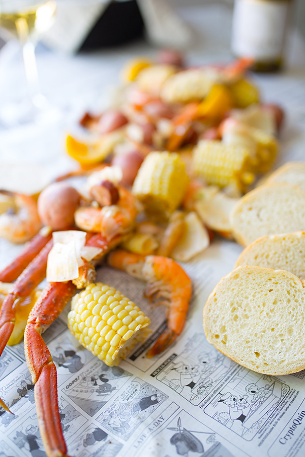 This easy cajun seafood boil is the perfect way to celebrate summer. | insolenceandwine.com