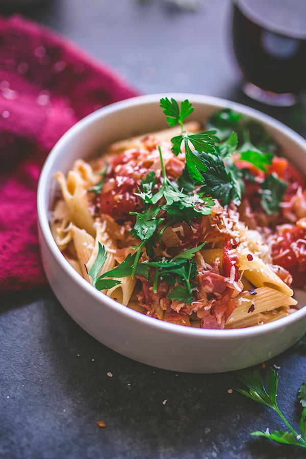 All'arrabbiata Pasta is the ideal weeknight pasta.