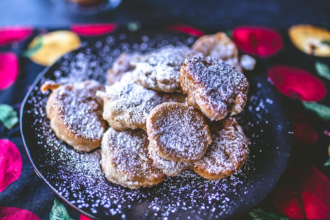 These beignets taste just like apple pie.