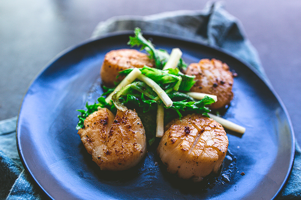 Easy pan seared scallops require only 4 ingredients.