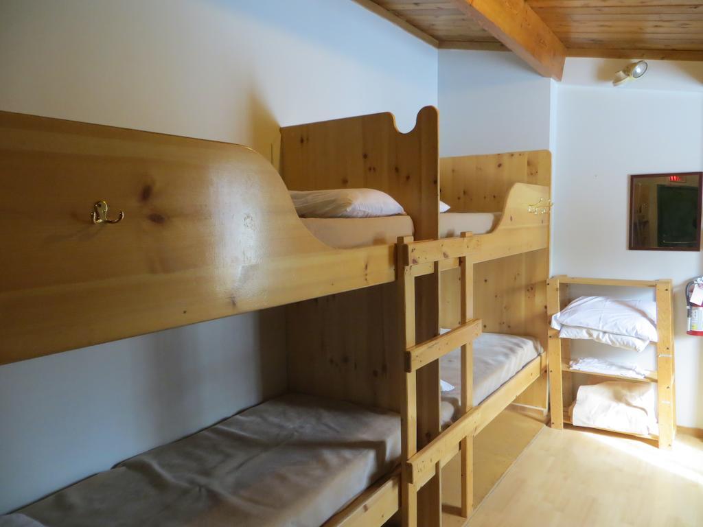 Hostel -.jpg