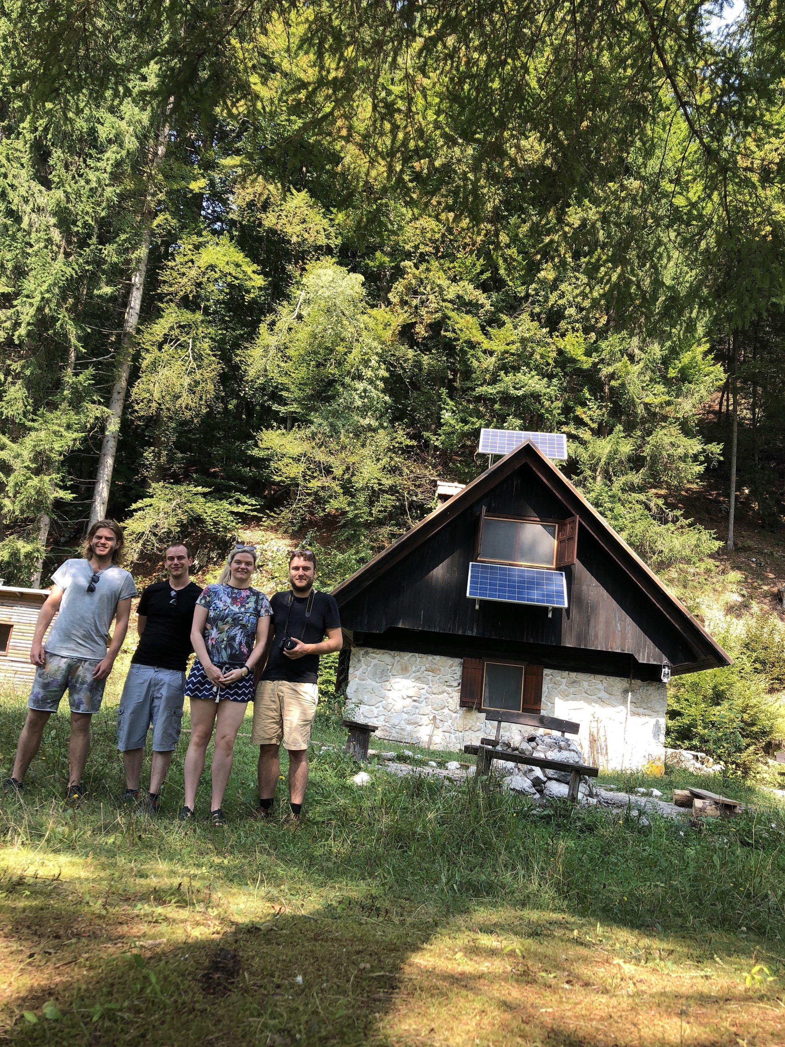Talez Hut