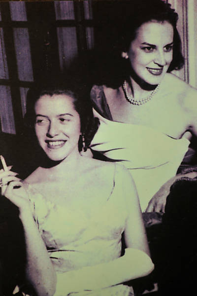 Hilda Hilst (left) and Lygia Fagundes (right)