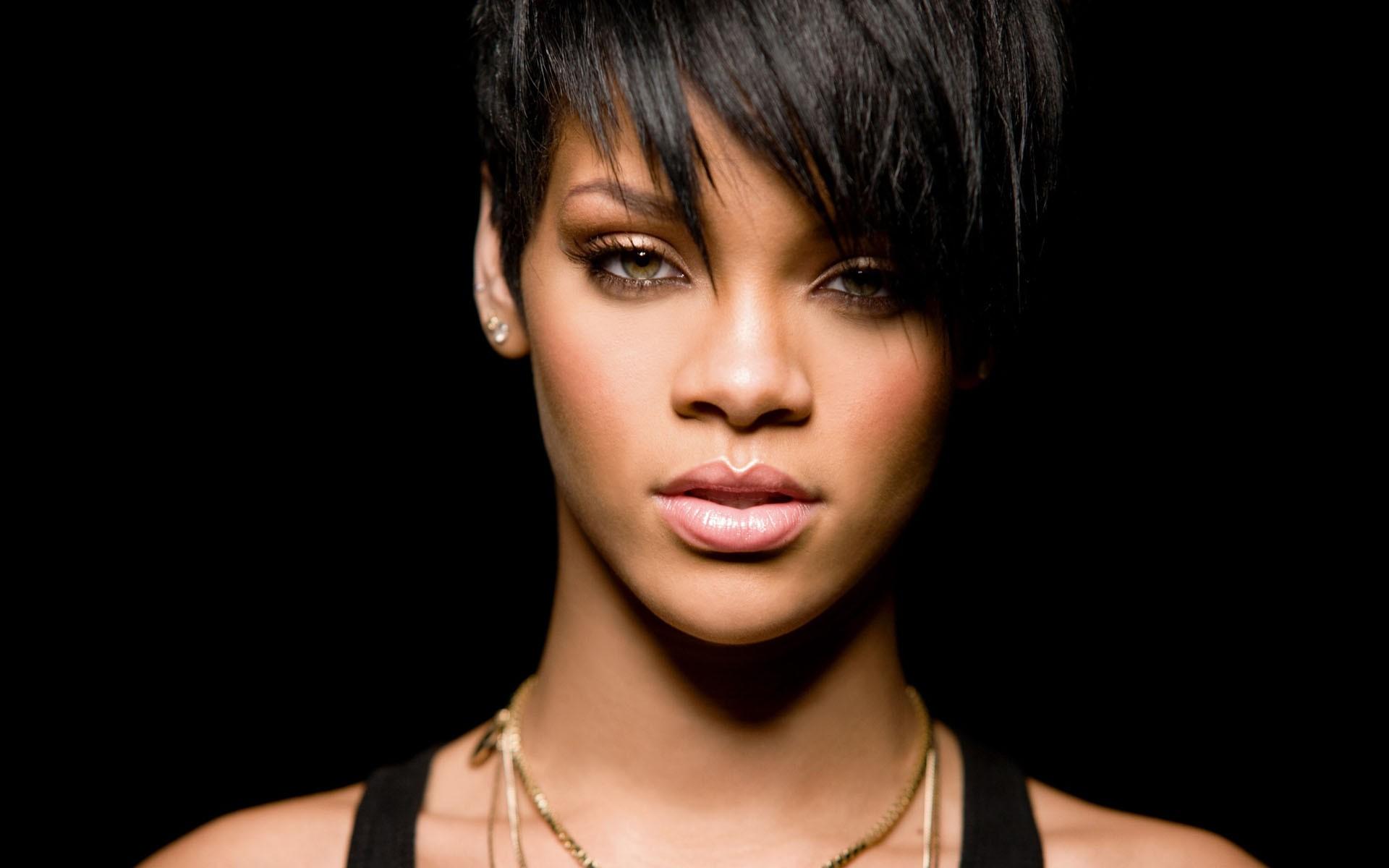 Rihanna-Hairstyle.jpg