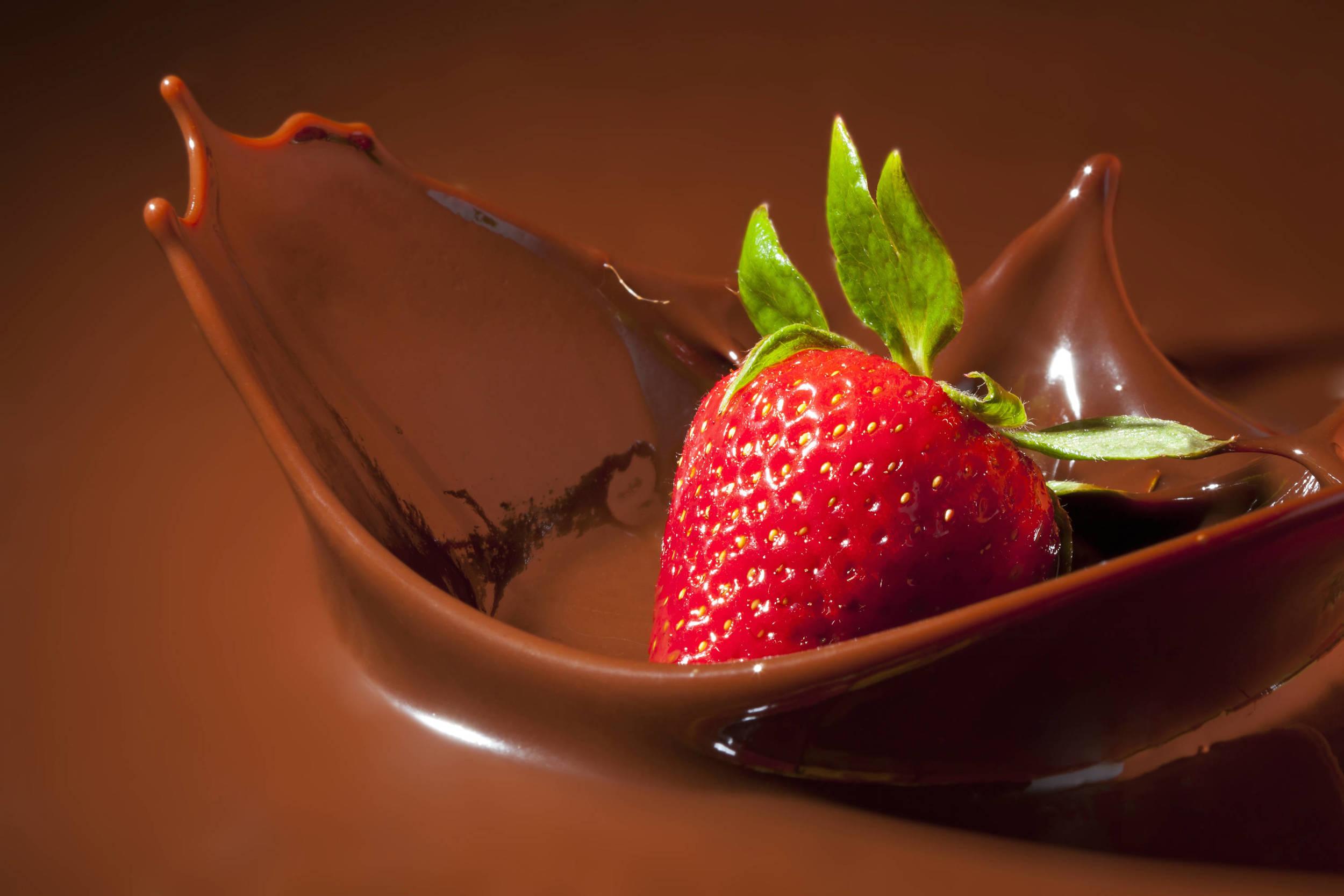 Aphrodisiac-Foods-Choco-Strawberry-2.jpg
