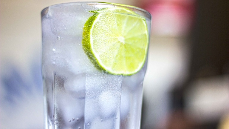 1395-vodka-tonic-cocktail-recipe-ingredients-and-doses.jpg