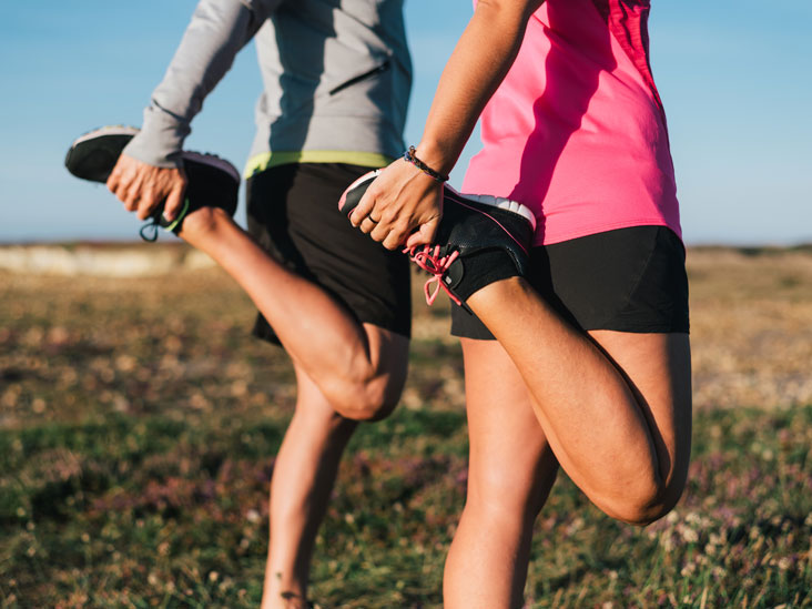 exercise-fitness-running-tips-quad-stretches_thumb.jpg