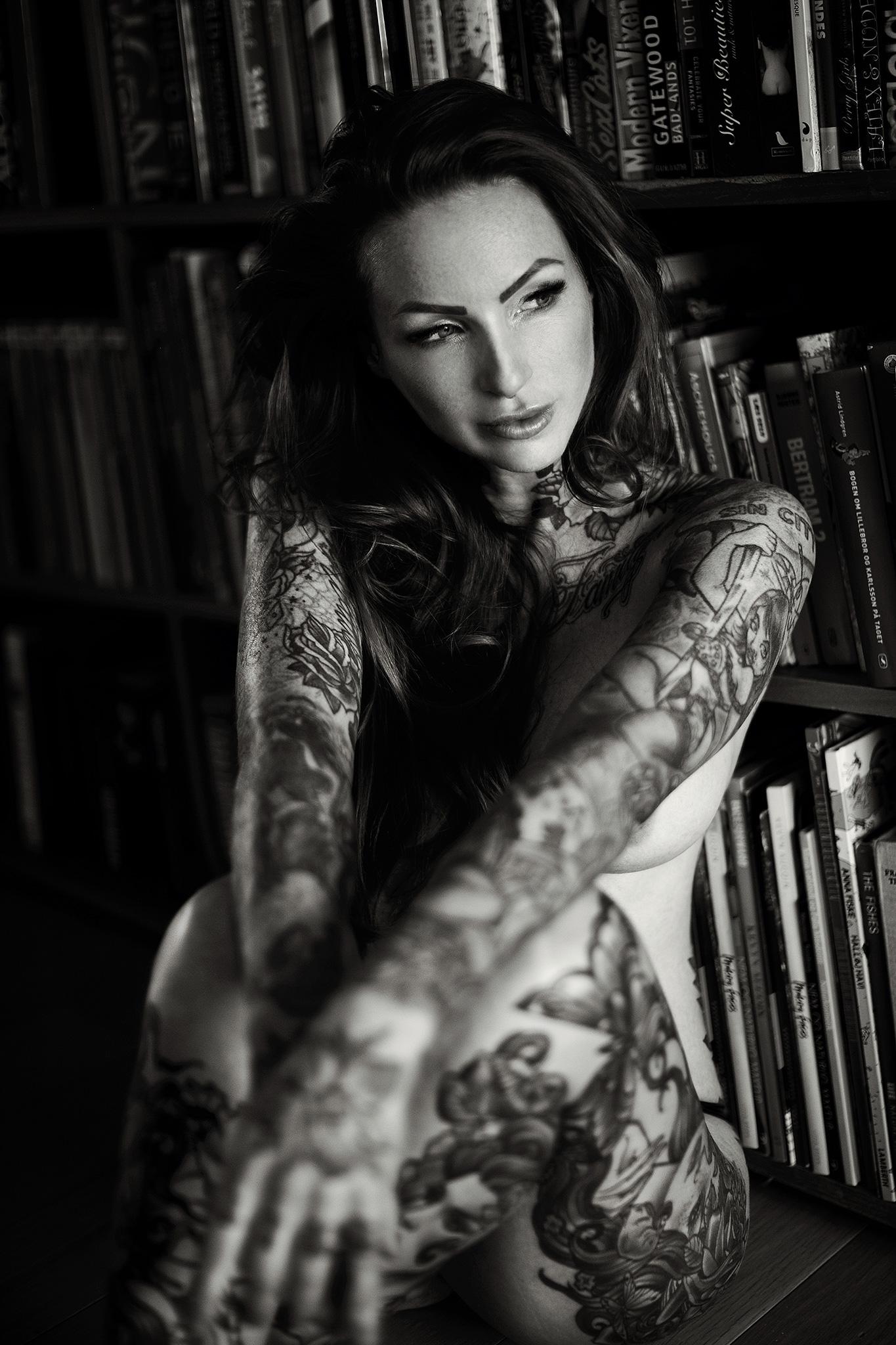 Mikkel_Laumann_Photography_Anne_Lindfjeld_Reroute_To_Remain_Photoshoot_Magazine_08.jpg