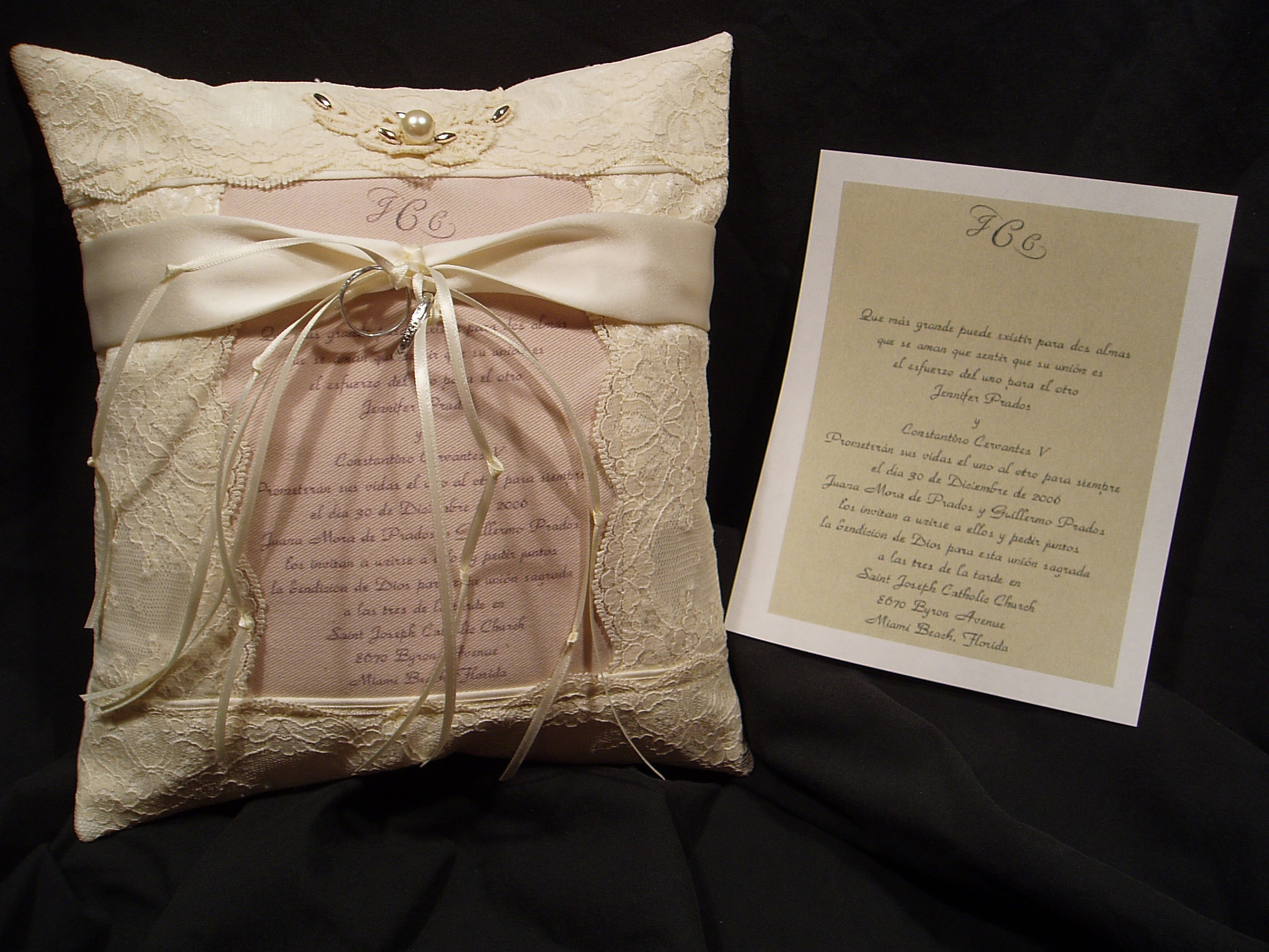 custom_ring_pillow2.JPG