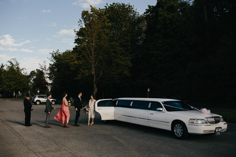 limo at spanish banks wedding