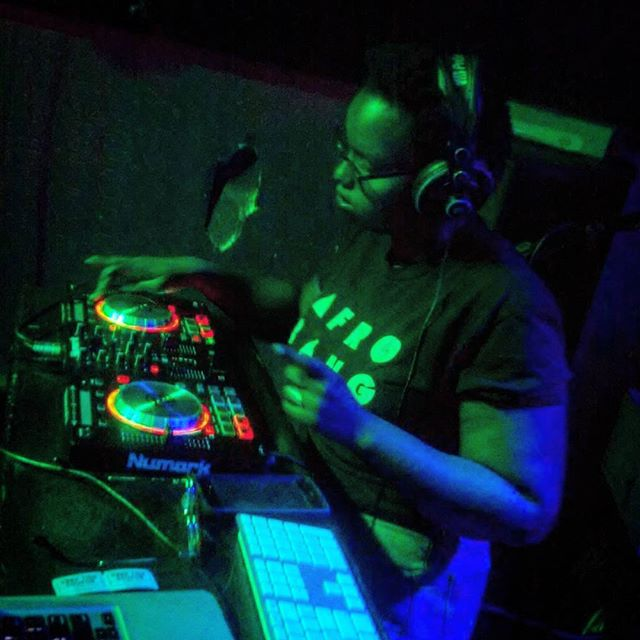 @bonitaappleblunt_ on the Mix at Nappi Houri  #nappihour #afrotrak #bonitaappleblunt #LOKari