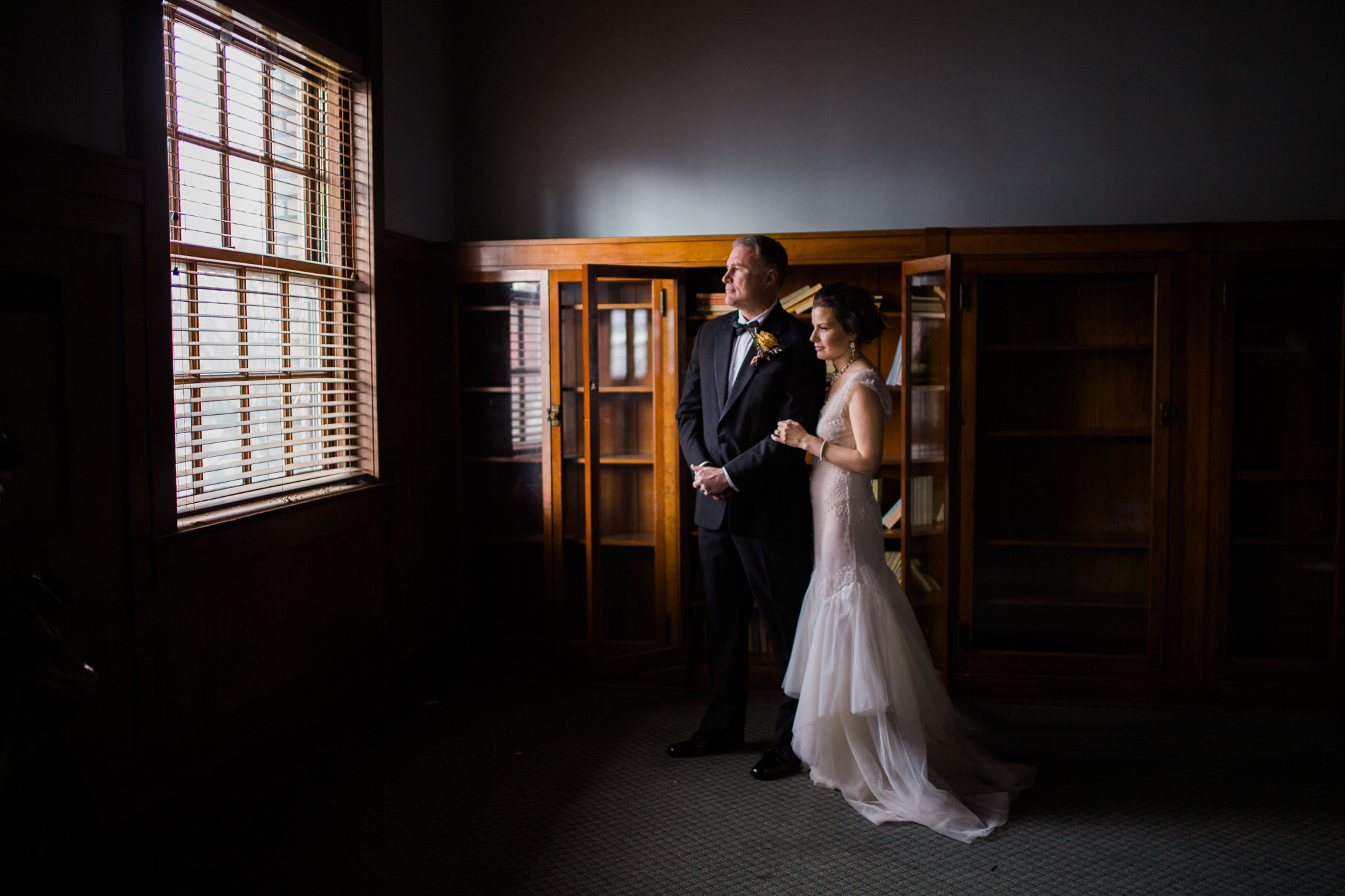 Classic Bride and Groom photo Vancouver, Washington wedding photographer
