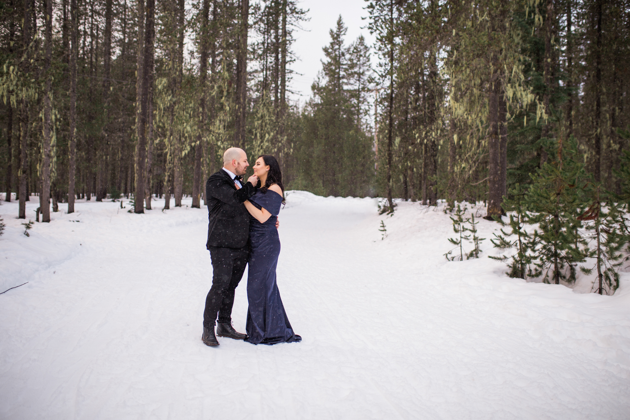 Snowy Mt Hood, Oregon Engagement Session.jpg