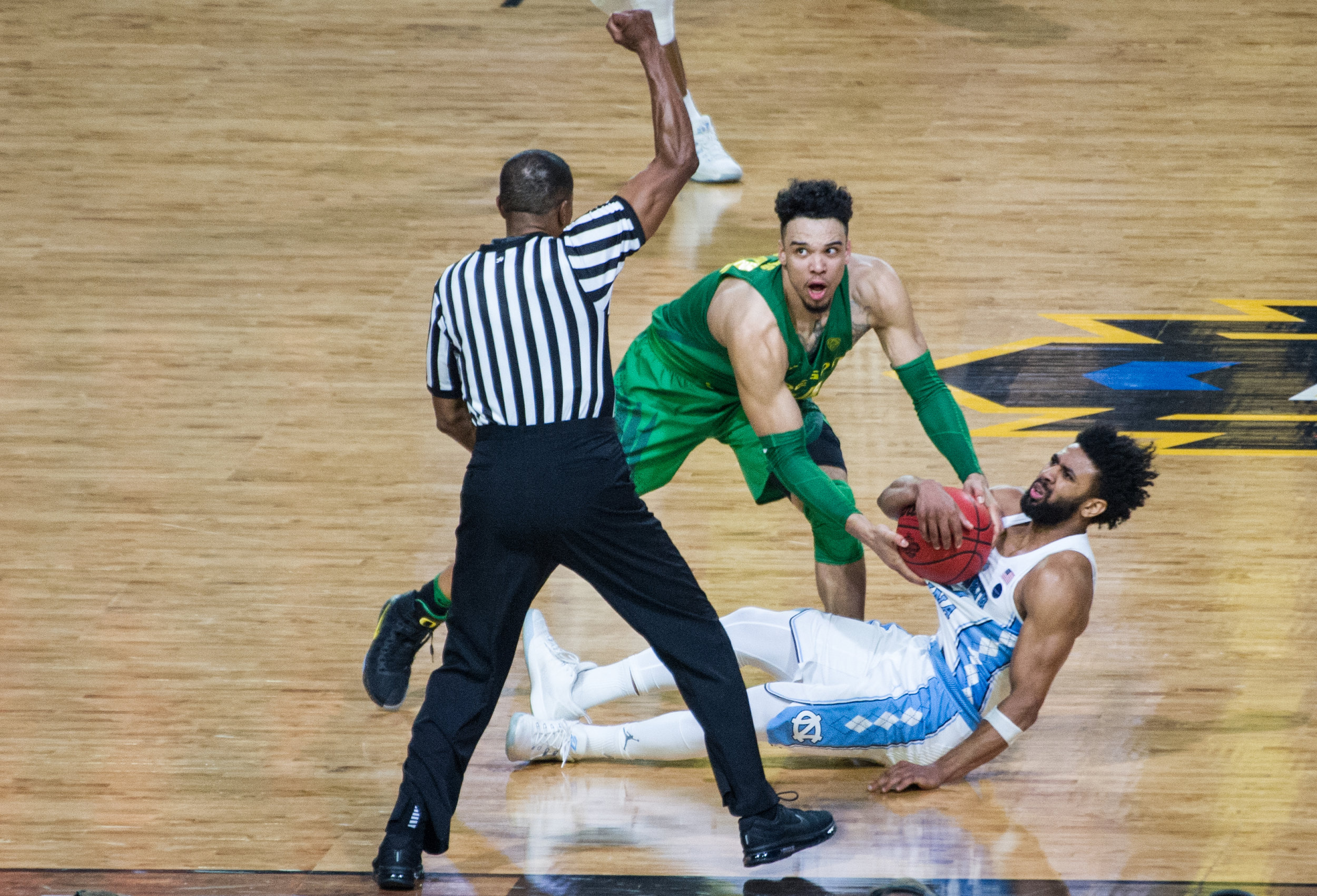 17.03.31.emg.an.final.four.oregon.vs.north.carolina-36.jpg