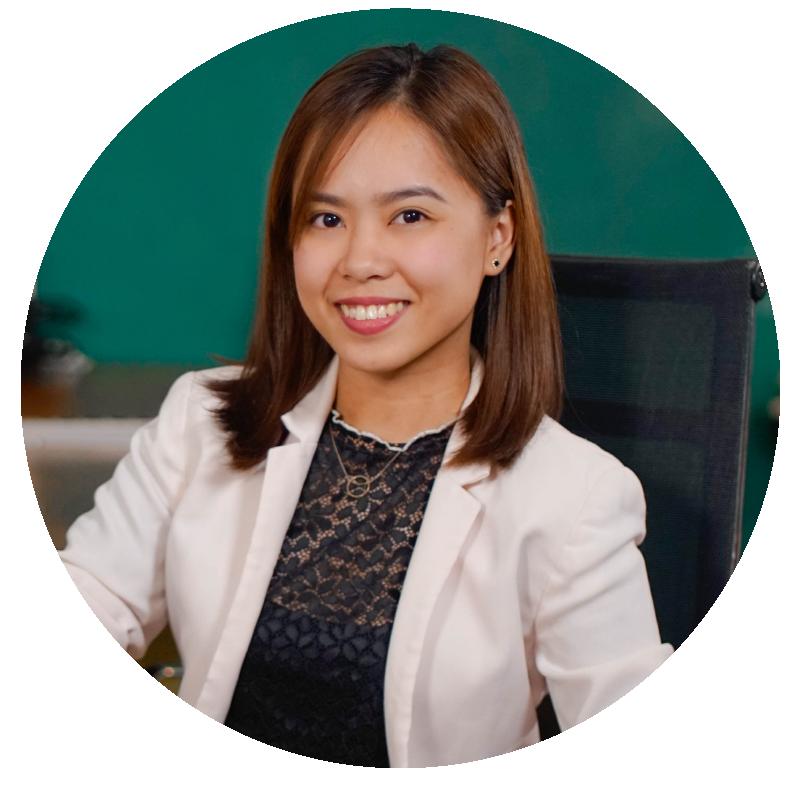 Kristen dela Cerna - Community Manager  | Social Media Marketing Company