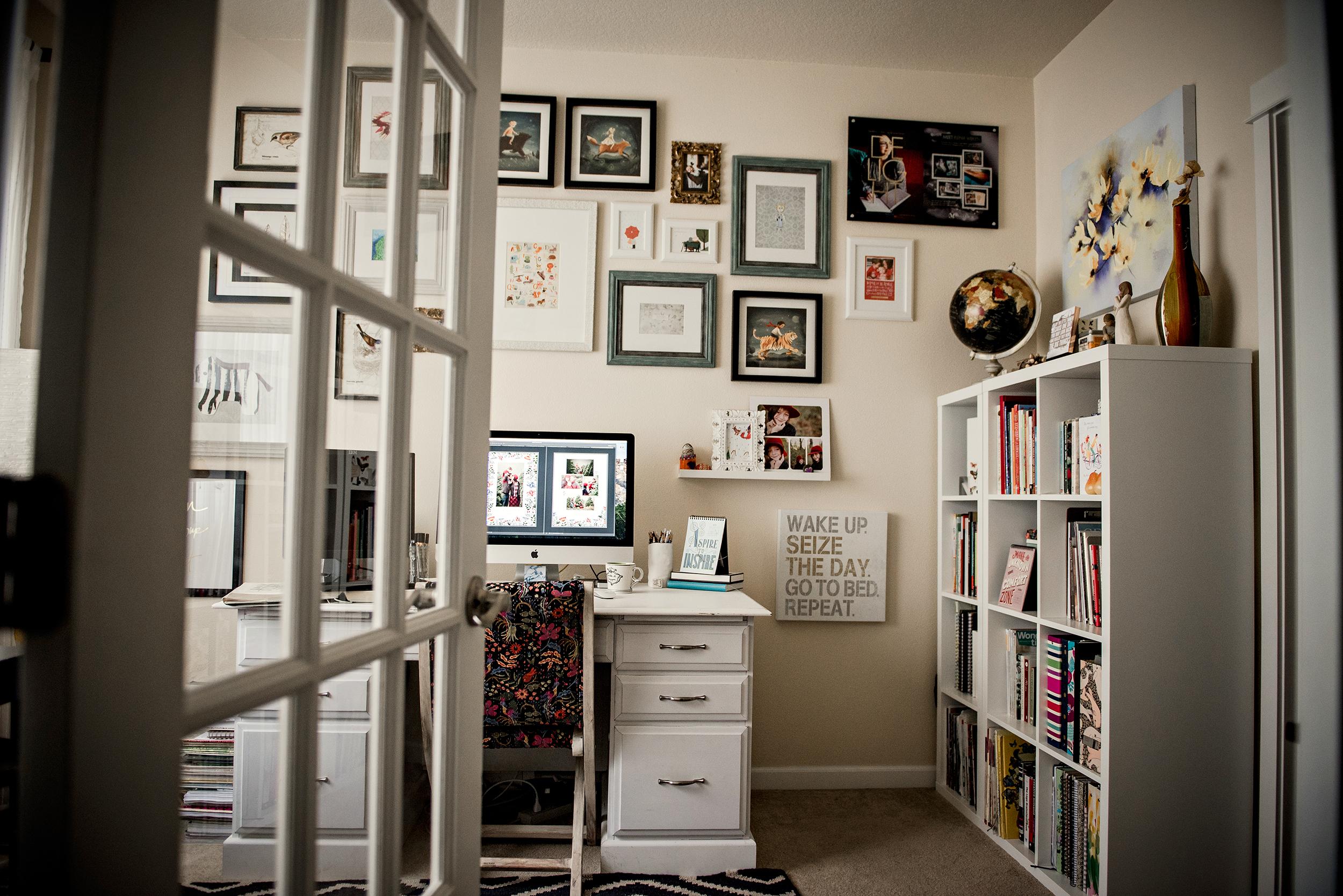 4-elenawilken-home-studio-velvet-owl-photo.jpg