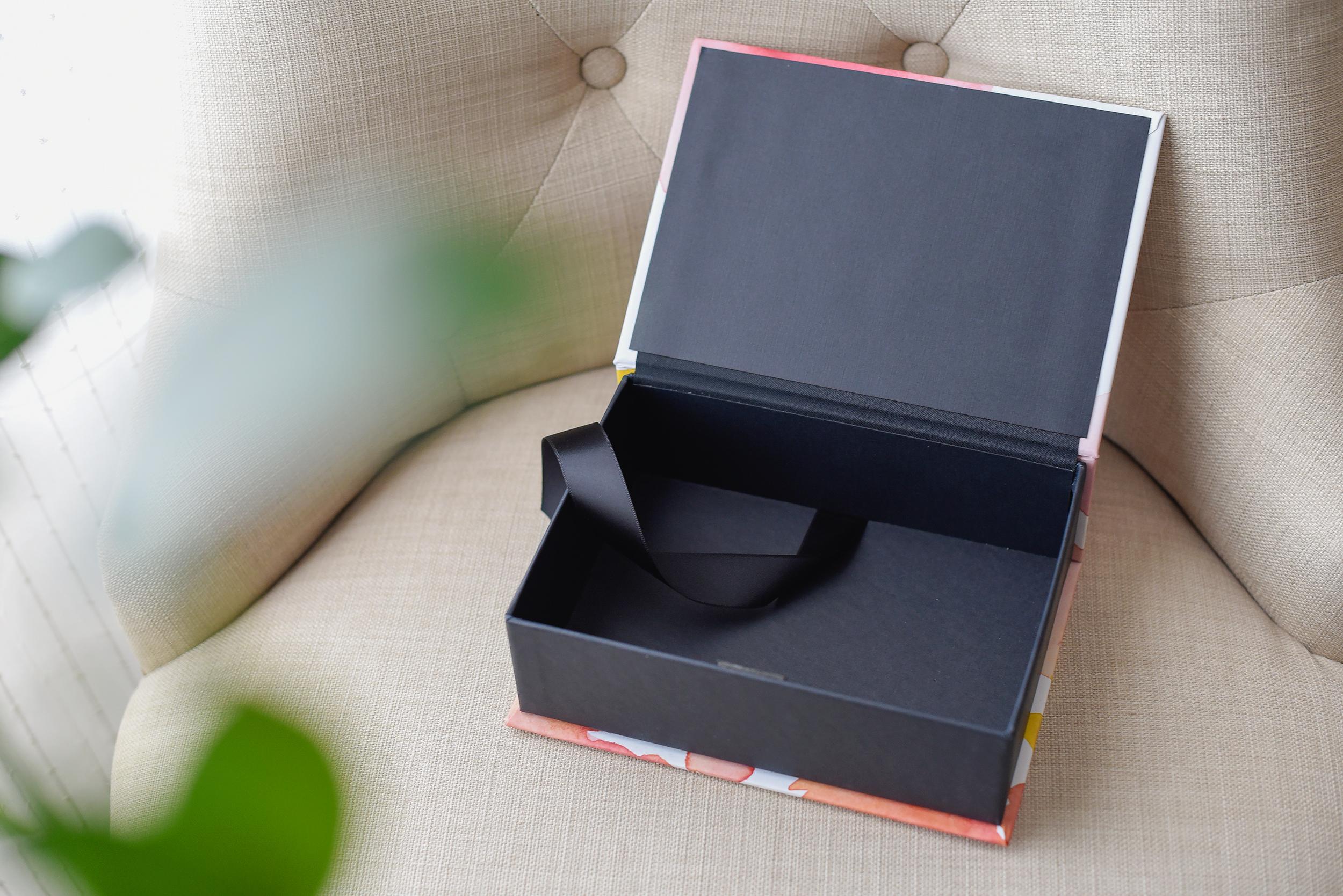 keepsake-box-treasure-watercolor-inside.jpg