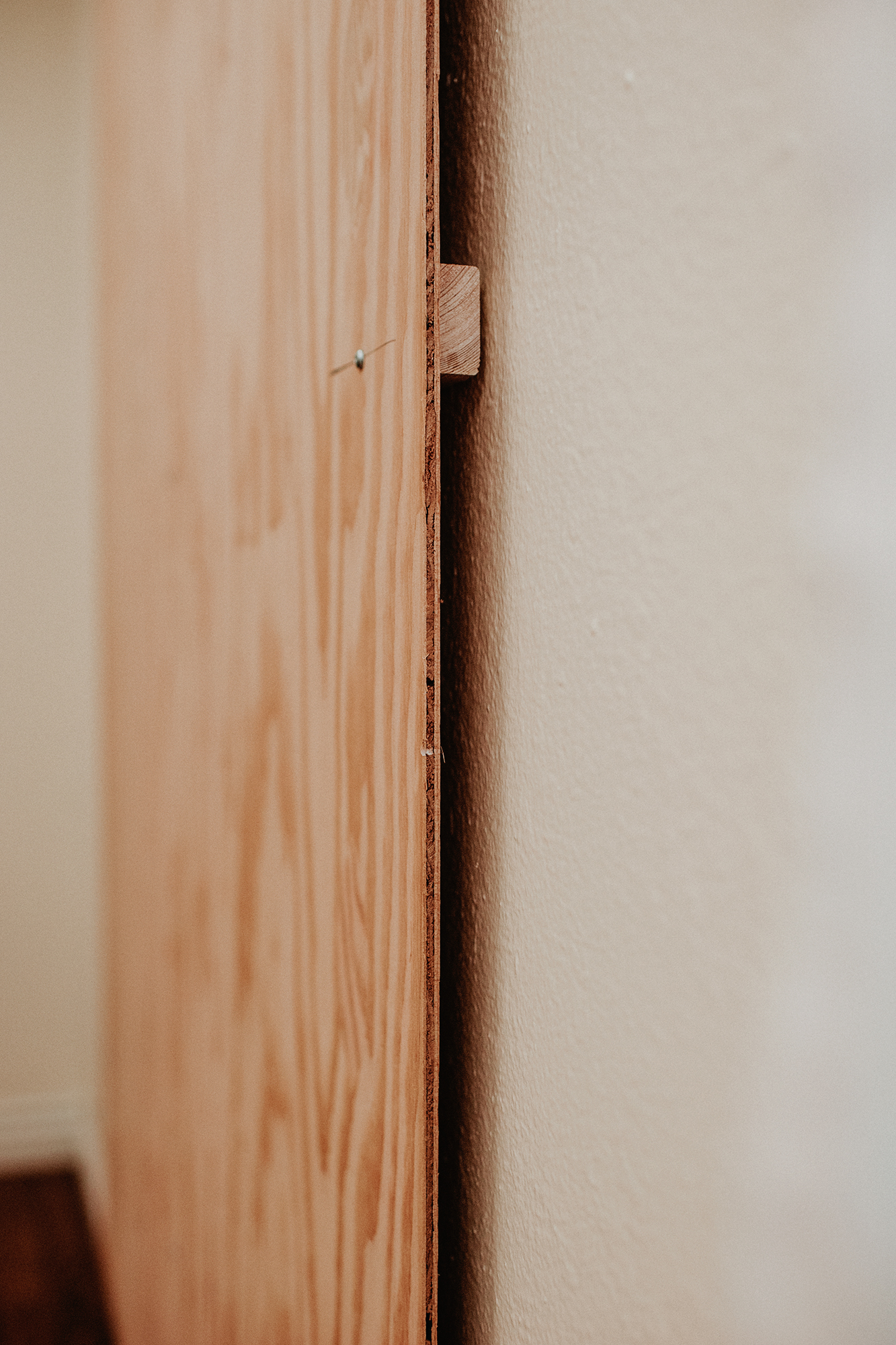 diy-corck-board-wall-furrying-strip.jpg