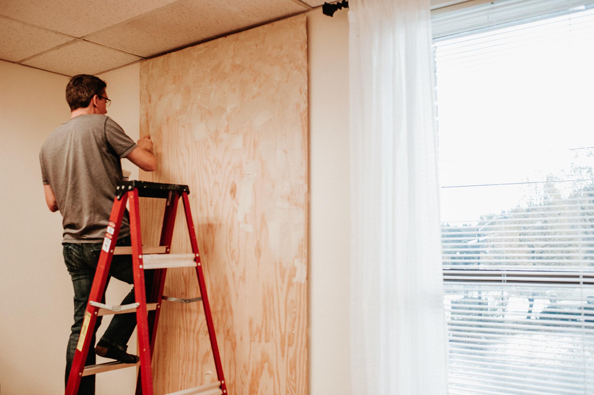 diy-cork-board-wall-mounted-on-plywood.jpg