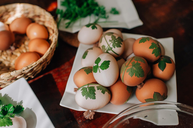 easter-eggs-organic-dye-onion-peels-elena-wilken3.jpg