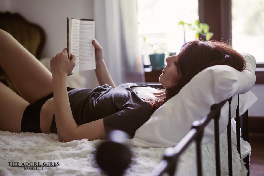 The Adore Girls Boudoir Photography Nashville reading