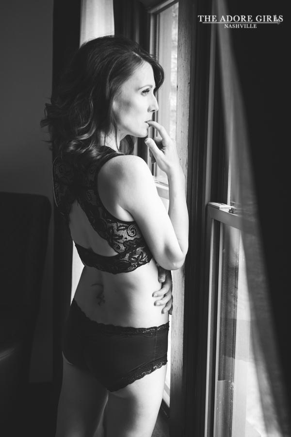 The Adore Girls Boudoir Photography Nashville window