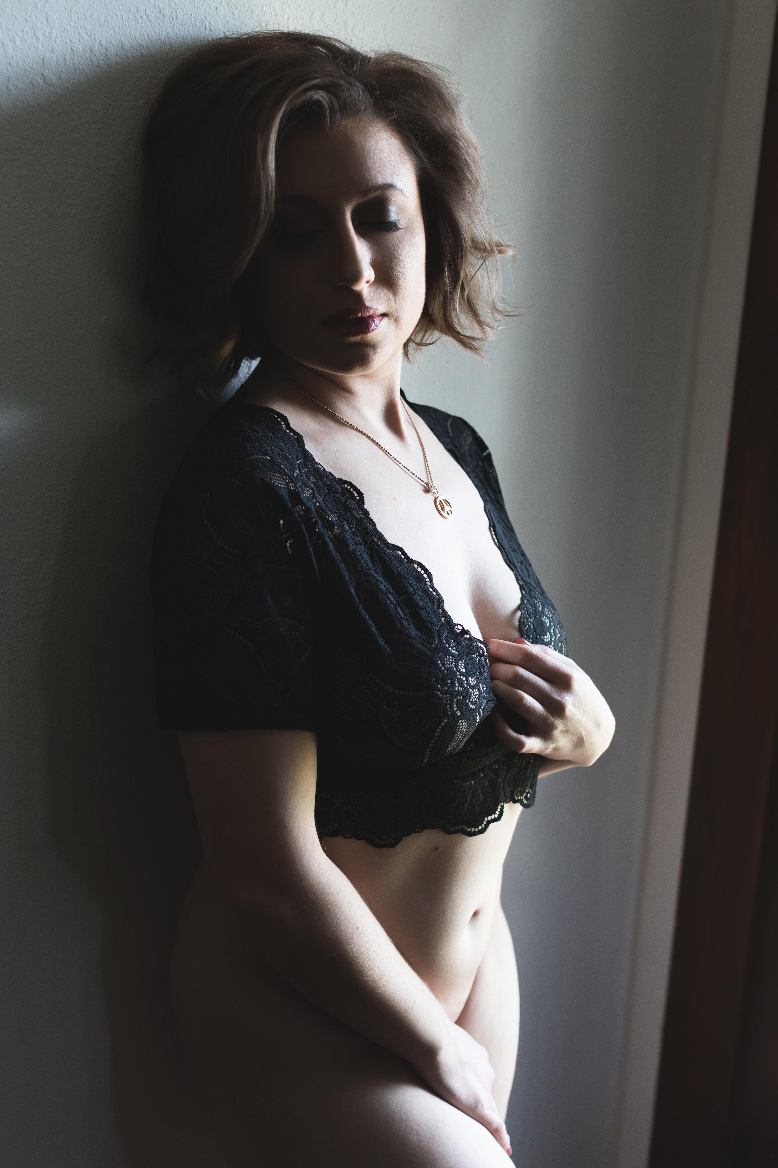 The Adore Girls Boudoir Photography-0111.jpg
