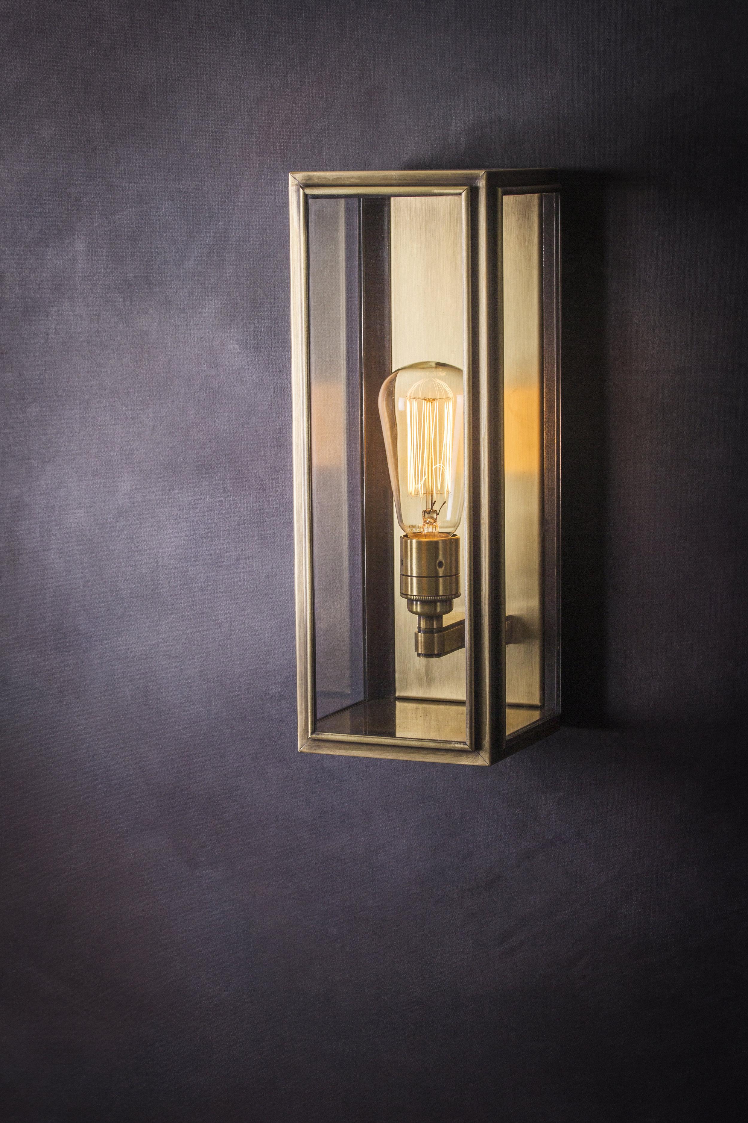 Ash Medium Wall Light (Antique Brass)