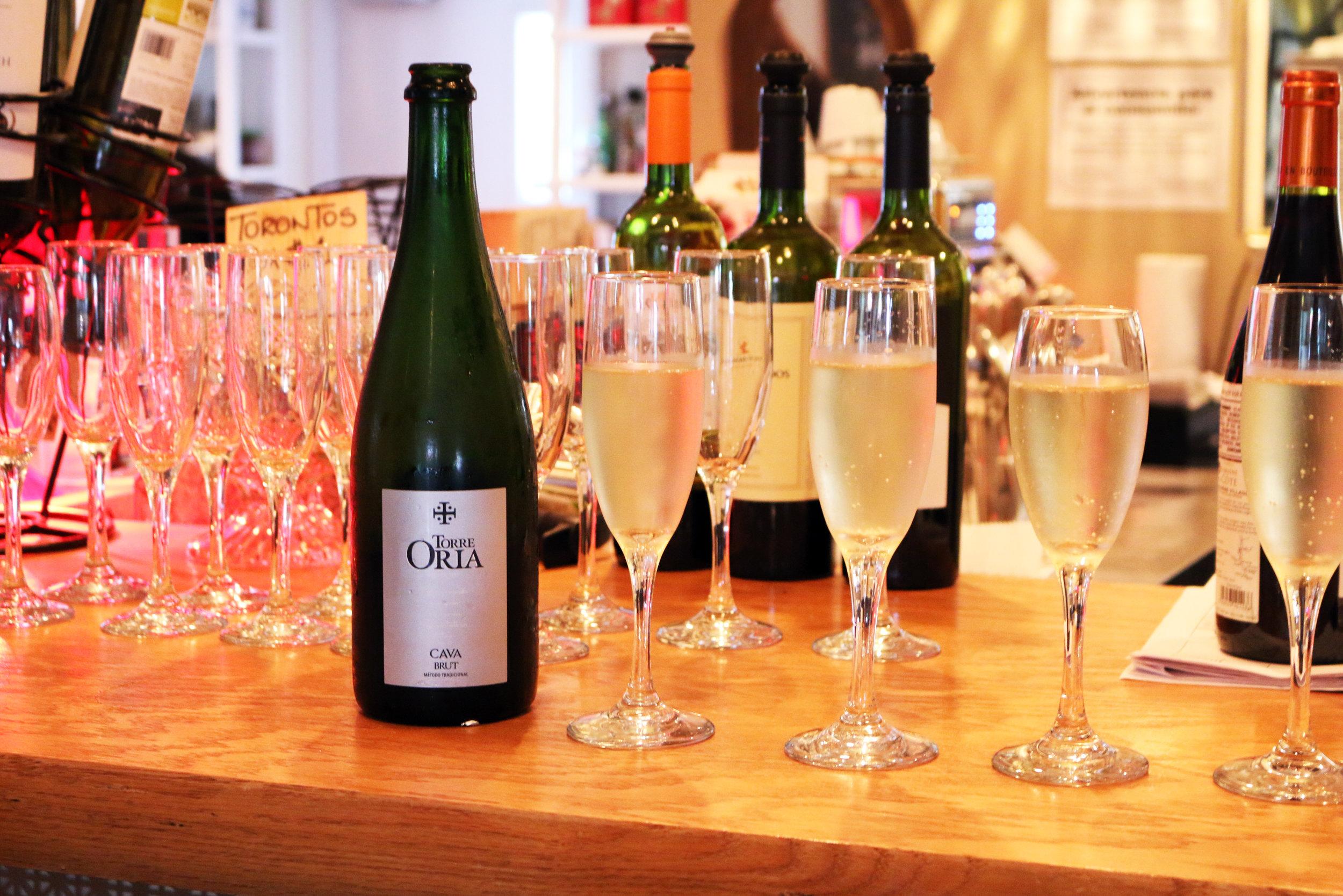 women who wine-miami wine events-wine tasting miami-7.jpg