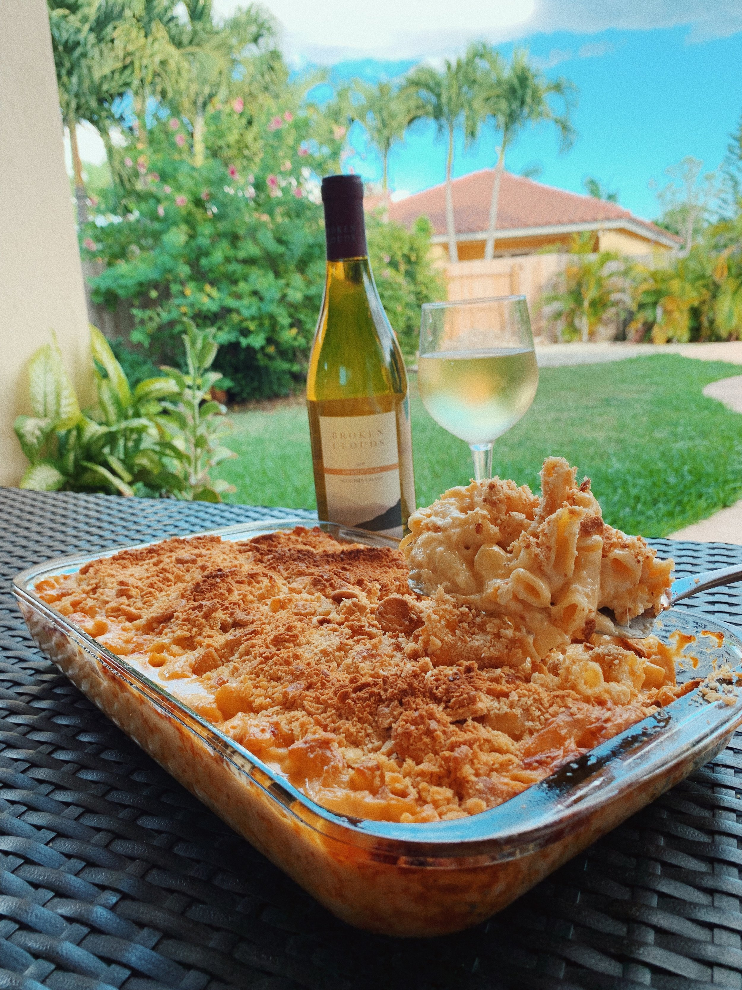 Cheesy Mac and Cheese Recipe with Thanksgiving Wines .JPG