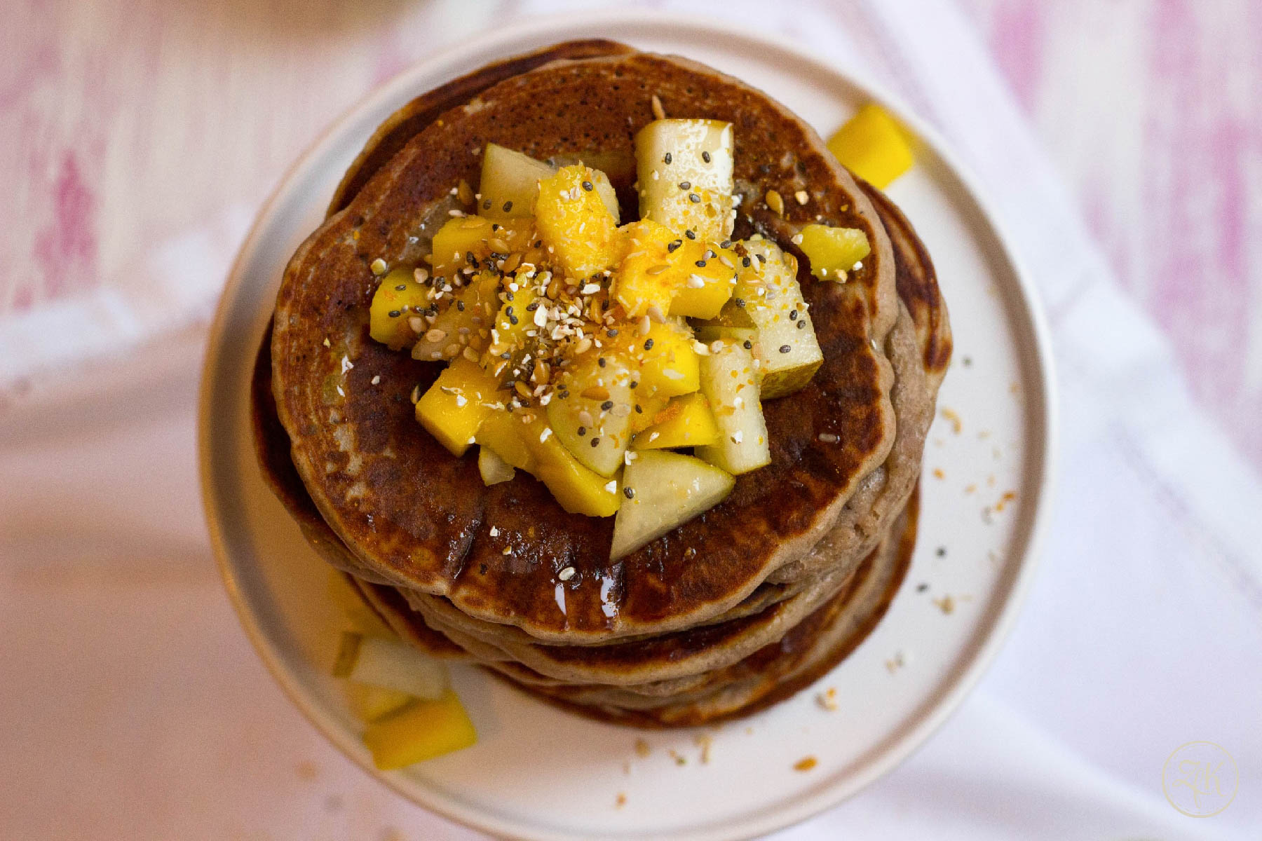 Obstsalat trifft Pancakes
