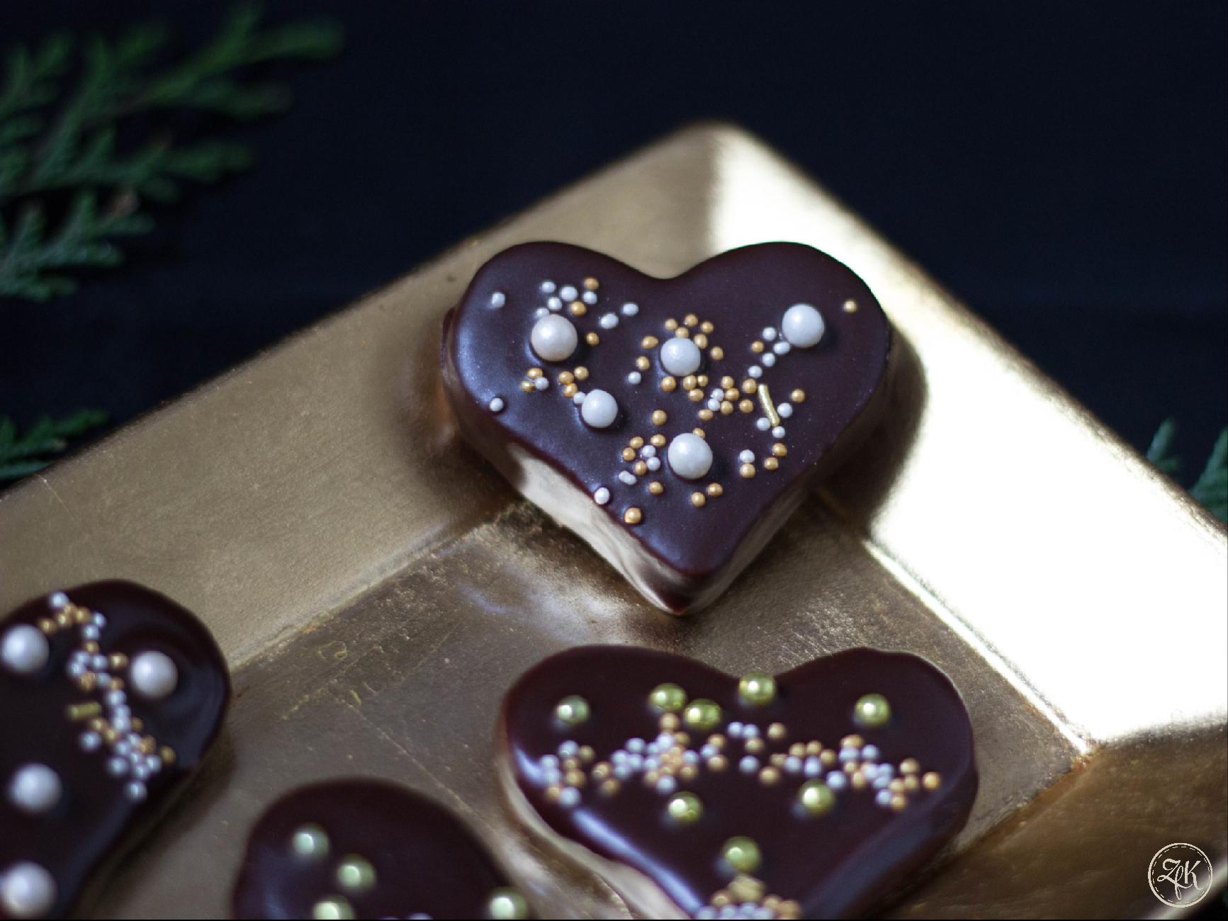 Herzen nach Sacher Art - mit Marzipan, Marillen & Schokoladen-Ganache