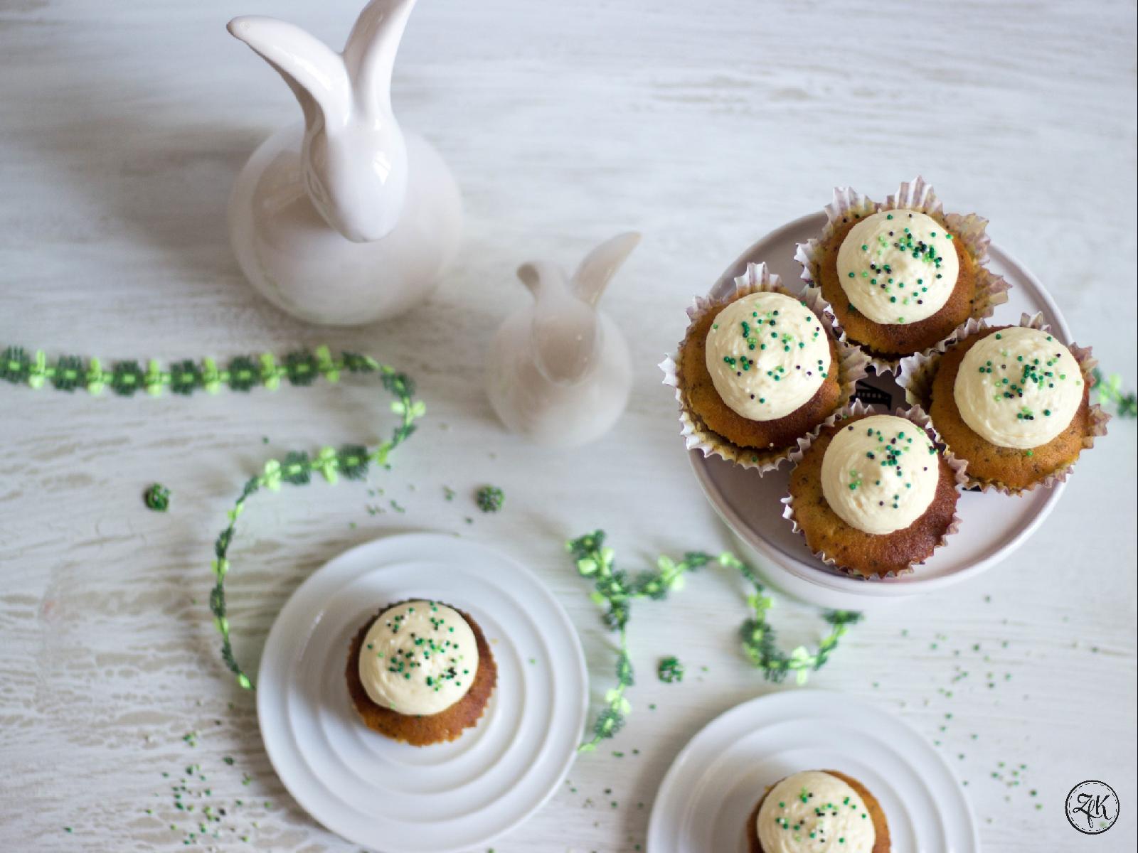 Herrlich aromatische Zitronencupcakes mit einem Hauch Mohn
