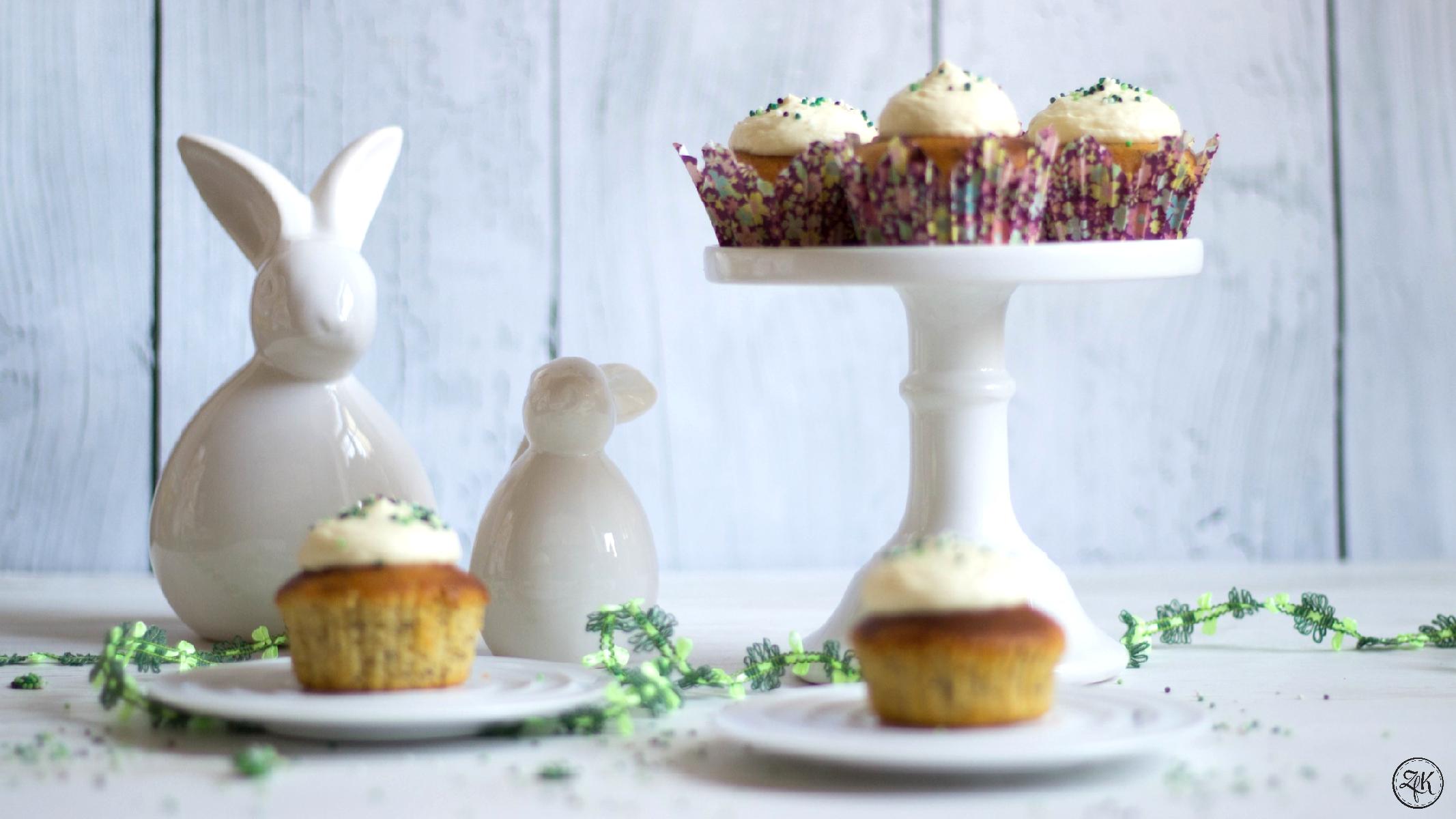 Willkommen in der Osterbäckerei - Lemoncurd Cupcakes