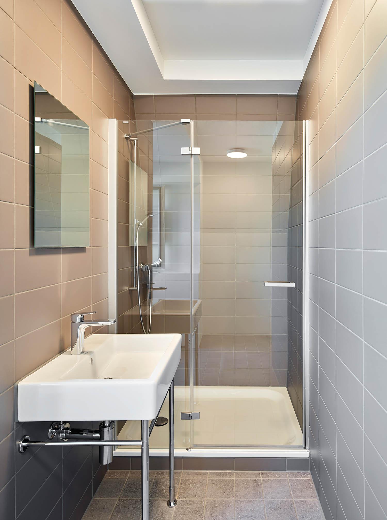 Bürogestaltung, Bad, Sanitär Laufen, Duravit, Fliesen Mosa
